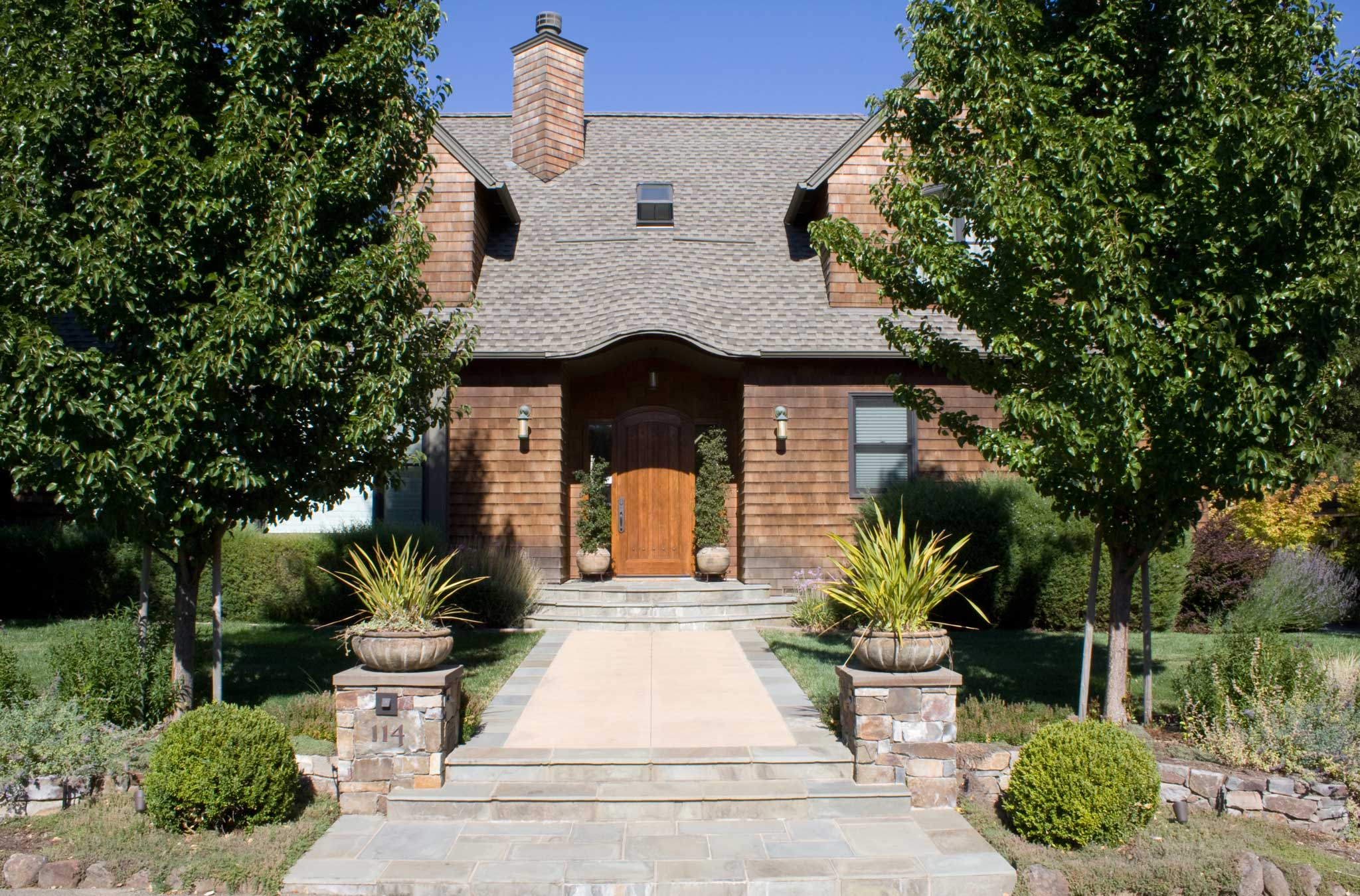 Shingle Style in The Hollow